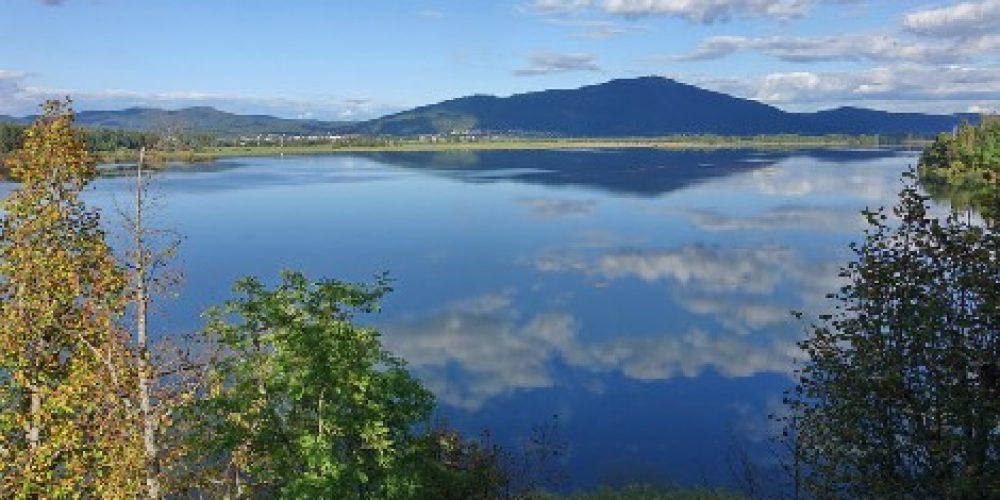 Jezero lepo razlito